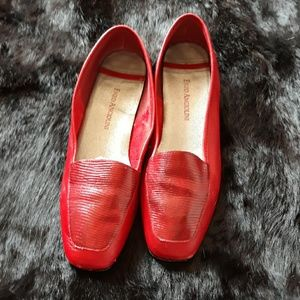 Vero Cuoio red leather flats